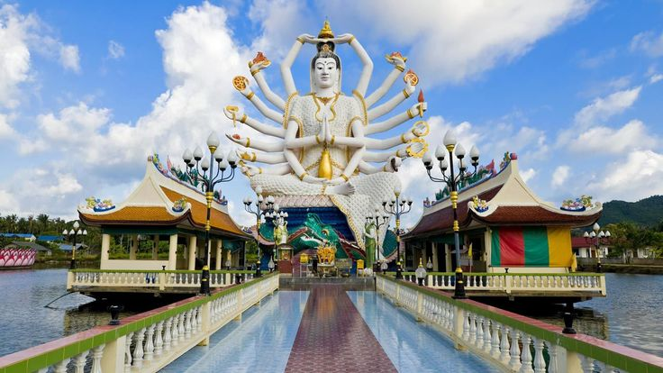 The famous Wat Plai Laem Temple, located on Koh Samui offers breathtaking lake views and is home to the Big Buddha and the 'Goddess of Mercy' #Guanyin (pictured).