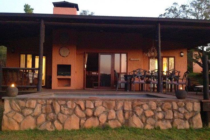 HOUSE ROBIN  SELF CATERING COTTAGE/ HOUSE/ BUNGALOW IN HAZYVIEW, KRUGER PARK AREA, LOWVELD & KRUGER NATIONAL PARK, MPUMALANGA Click on link for more info  http://www.wheretostay.co.za/houserobin/  Cottage set in a forest on the lake. Three and a half hour drive from Johannesburg, in a retreat, a home away from home. On the shores of the Da Gama Lake.