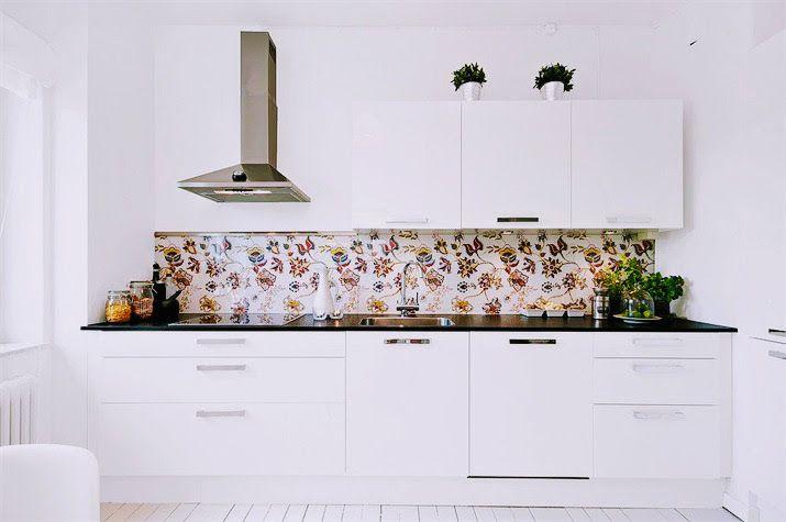 Köksglas som glaspanel  i kök