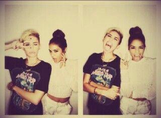 Miley y vannesa