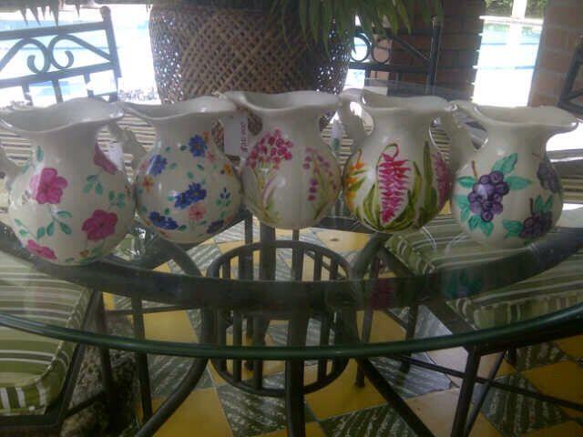 Jarras decoradas con pintura Pebeo