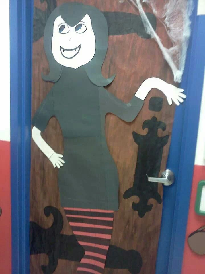 40 best images about my bulletin boards on pinterest for Hotel transylvania 2 decorations