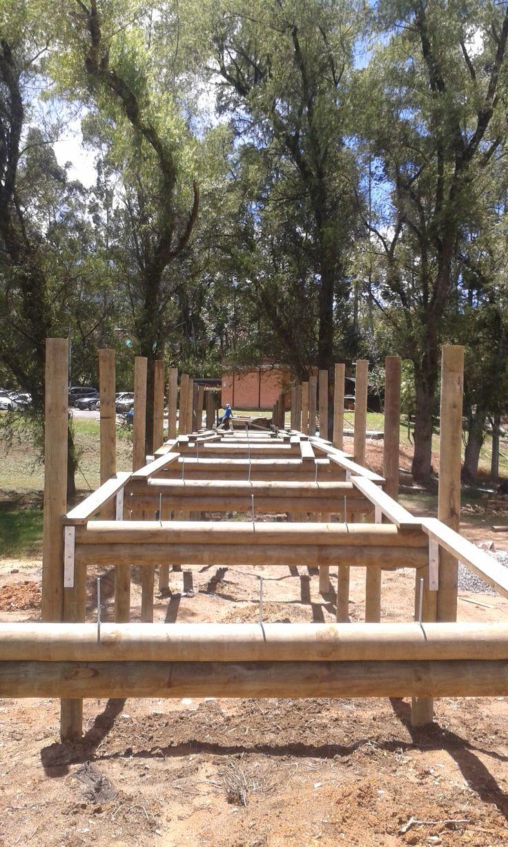 Proceso constructivo: Puente en Madera, uso vehículo liviano.