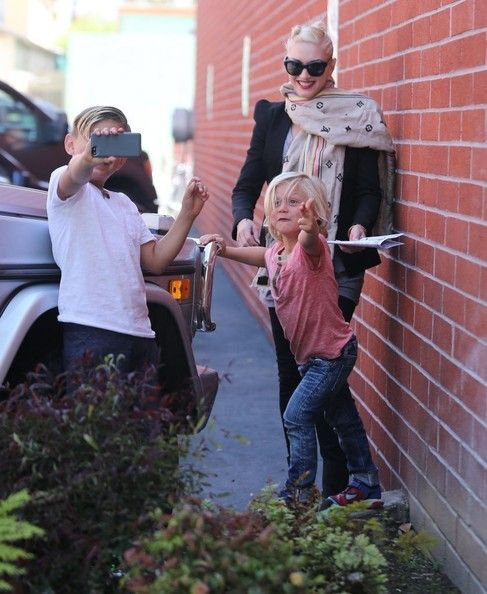 Gwen Stefani and Gavin Rossdale take their boys Kingston and Zuma to the Kidspace Children's Museum