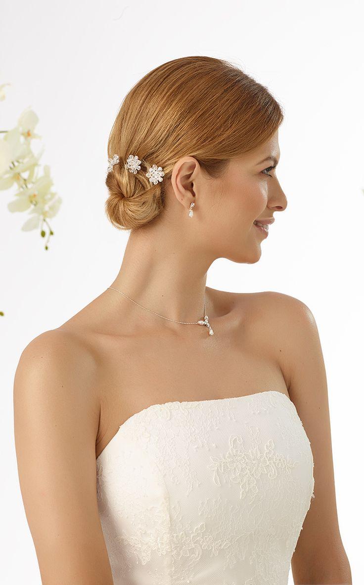 Cute carlies M6 from Bianco Evento #biancoevento #hairstyles #weddingaccessories #hairjewellery #weddingideas #bridetobe