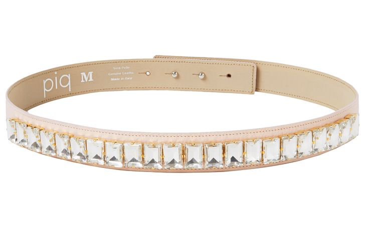 Crystal Belt in nude! Sparkle like a movie star in these beads and crystals which make any outfit an extremely glamorous one! Each stone is applied by skilled hands. The belt is made out of genuine leather by a manufacturer who has been producing leather accessories since 1977! It features a hidden double button closure and can be worn with any piq look.