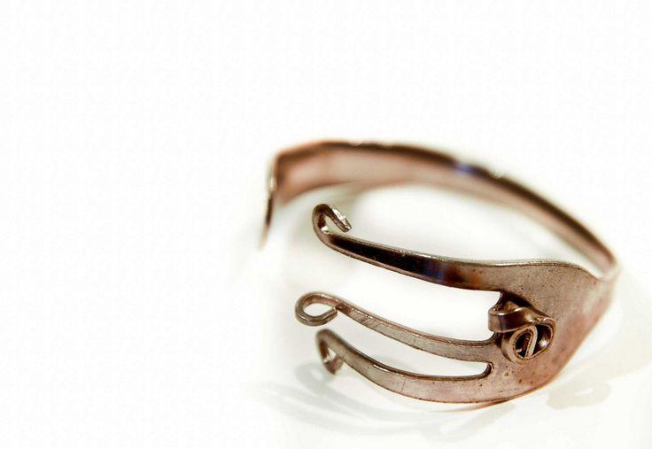 Bend an old fork into a stylish cuff bracelet