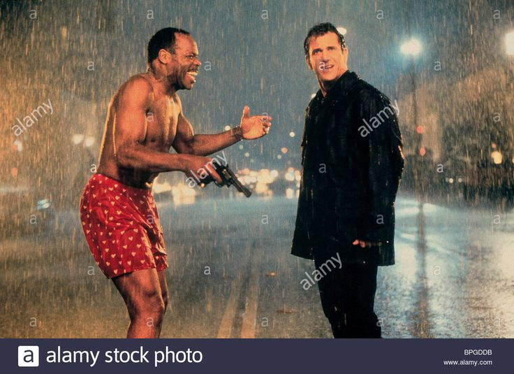 DANNY GLOVER & MEL GIBSON LETHAL WEAPON 4 (1998) Stock Photo