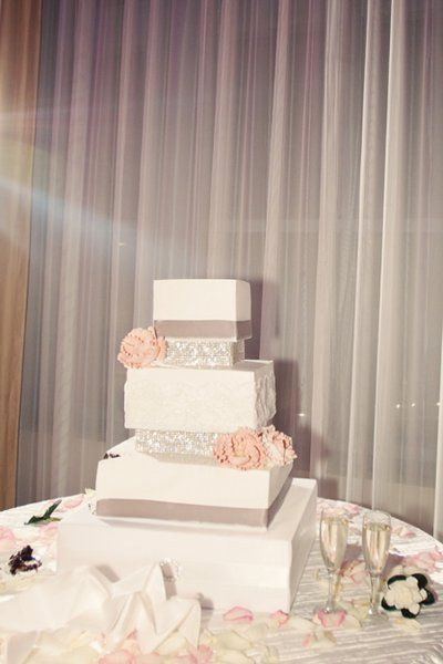 Our Favorite Wedding Cake Designs, Wedding Cakes Photos by Pirouette Photography