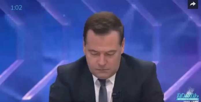 Медведев: Кролики — это не только ценный мех, но и три четыре… (с) Премьер-министр России Дмитрий Медведев объясняет аннексию Крыма тем, что это «сегодняшняя судьба» России. Об этом он сказал в интервью российским телеканалам