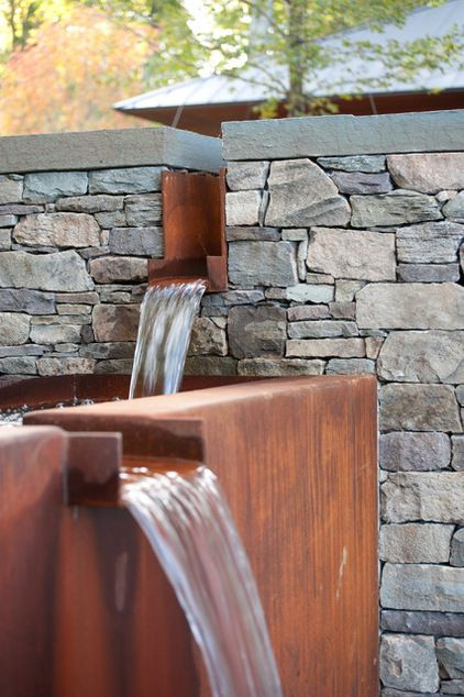 This type of water feature is a series of spillways, or rills. The sound is similar to that of a chorus, as opposed to that of a soloist. Each spillway has a different tone, due to the width of the opening and the length of the drop. Adjustments in both may be incorporated into the design to achieve the desired effect. The wider the opening and the longer the drop, the deeper and fuller the resulting sound will be.  Contemporary Landscape by Wagner Hodgson. c.