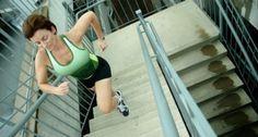 Subir escada emagrece e define coxas e bumbum. Veja treino que queima calorias