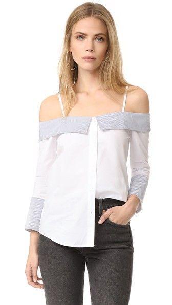¡Consigue este tipo de top hombros descubiertos de ENGLISH FACTORY ahora! Haz clic para ver los detalles. Envíos gratis a toda España. ENGLISH FACTORY Off Shoulder Shirt: A crisp ENGLISH FACTORY off-shoulder top with striped trim. Adjustable shoulder straps. Long sleeves. Button placket. Fabric: Shirting. Shell: 100% cotton. Trim: 65% cotton/30% rayon/5% spandex. Hand wash. Imported, China. Measurements Length: 26.75in / 68cm, from shoulder Measurements from size S (top hombros…