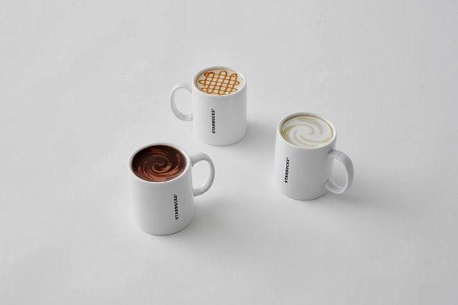 """CTRL+PELS: Caneca sempre cheia  """"Na base da clássica caneca branca da marca, uma imagem que parece a superfície de alguns dos cafés servidos pela cafeteria. Assim, mesmo com a caneca está virada para baixo, parece que ela está cheia. Disponível nos sabores Americano, Latte e Caramel Macchiato."""""""
