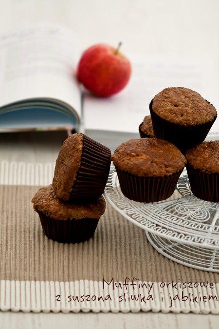 Muffiny orkiszowe z suszoną śliwką i jabłkiem