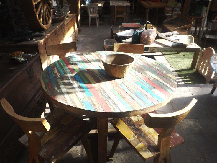 Comedor madera de bote reciclado, 4 sillas