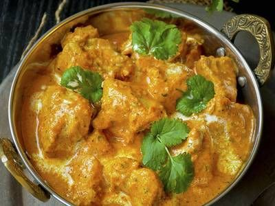 It is a mild creamy gravy with juicy and tender chicken. It is generally served with naan or chapati but tastes good with basmati rice. Butter chicken is also known as Murgh Makhani in Hindi. It is really a delicious Indian butter chicken curry which stands on top list of menu of any Indian restaurant. Makhani gravy is also popular in vegetarian recipes like paneer makhani and mushroom makhani.