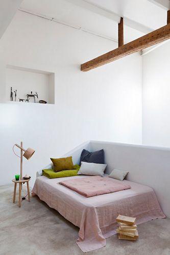 Pastelltöne machen deine Wohnung zum Ort deiner Urlaubserinnerung. Einrichtungstips und DIY Lampen-Anleitung.