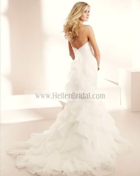 Gown 1508 | Classic Collection | Mikaella Bridal (back)