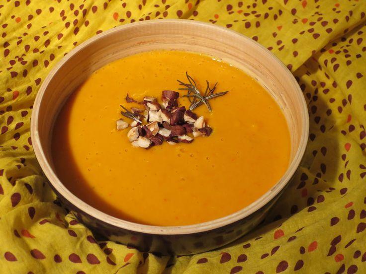 Soupe potimarron, coco, noisettes & épices