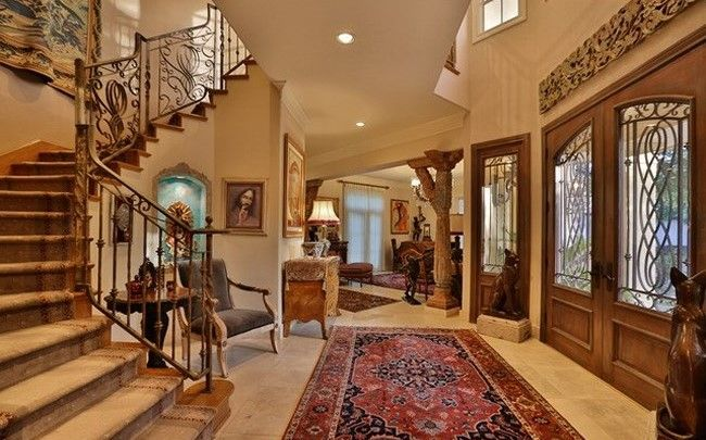 San Antonio | Hill Country Amazing attention to detail in this San Antonio home. Listed by: Alejandro Longoria | Foster Properties