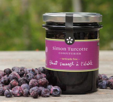 Simon Turcotte confiturier - Tartinade bleuet sauvage à l'érable - Faite au Québec.   Simon Turcotte confiturier - Wild blueberry and maple spread - Made in Quebec.