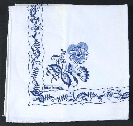 Google Image Result for http://images.replacements.com/images/images5/china/B/blue_danube_japan_blue_danube_cloth_napkin_P0000044711S0892T2.jpg