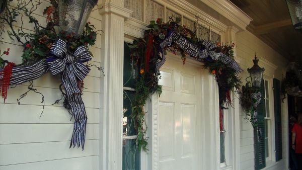 Haunted Mansion Holiday Foyer Music : Dl haunted mansion holiday entry decor halloween