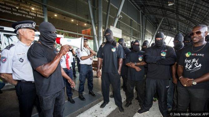 Bernard Cazeneuve a rejeté la demande «irréaliste» des meneurs du mouvement social en Guyane de porter à 2,5 milliards d'euros le plan d'urgence du gouvernement, en appelant à «renouer les fils du dialogue» après l'échec des négociations.