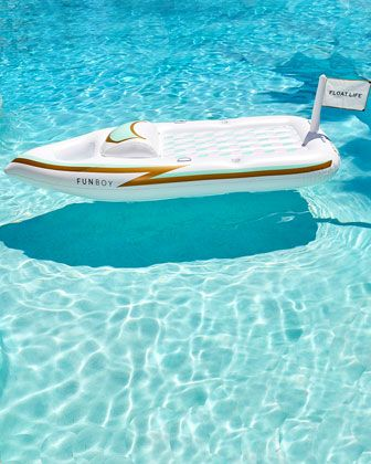 Yacht #PoolFloat: Ordered!   If there's a place for the rosè, you know it'll be popular with my crew.
