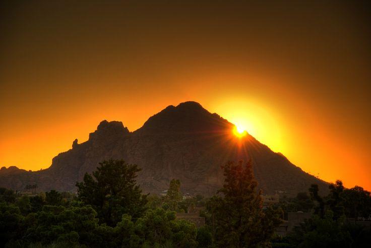 Camelback Mountain Sunrise, Phoenix, Arizona, USA