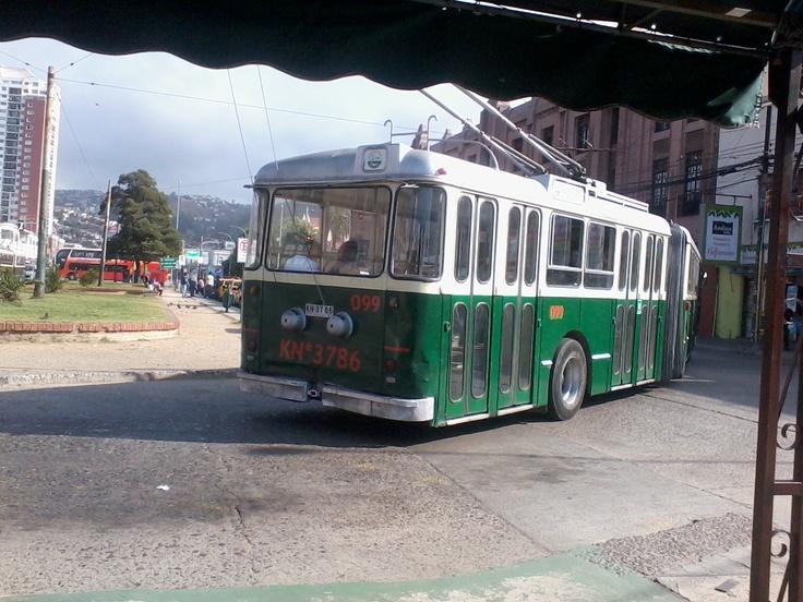 En Av. Argentina donde esta el Paradero de los troles, en Valparaiso... siempre me quedo ahi un rato, es agradable y sirve de descanso cada vez q se viene de vuelta de las compras en el super ajajajaja