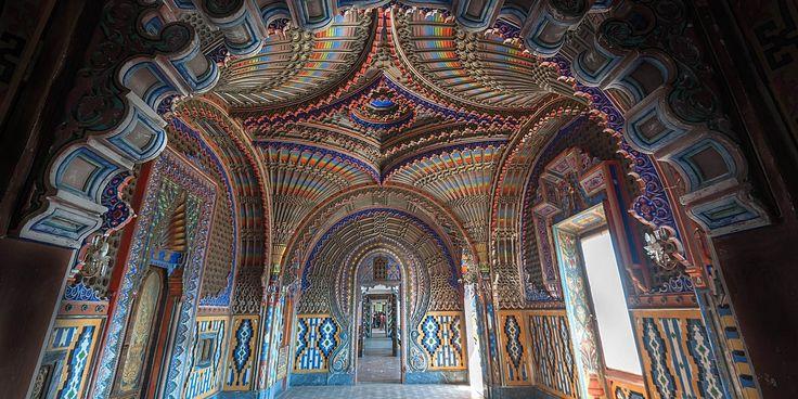Il comitato organizza oltre alle visite guidate del castello incontri sul Marchese e sui film e video musicali girati nelle stanze del Castello