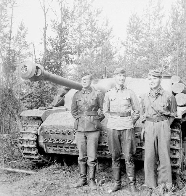 The STUG 3 Ausf. G 1943. Finnish crew of a German Stug Assault Gun during the Continuation War. Pin by Paolo Marzioli