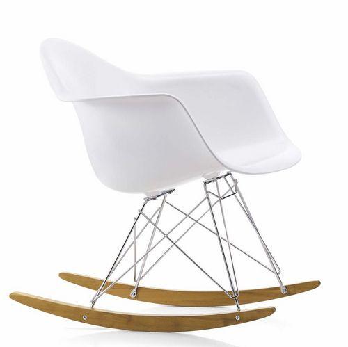 Les 25 meilleures id es concernant chaises bascule de for Eames fauteuil bascule