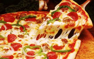 РЕЦЕПТЫ И СОВЕТЫ ХОЗЯЙКАМ: Как приготовить настоящую итальянскую пиццу? Рецепт классической пиццы на тонком тесте с хрустящей корочкой!
