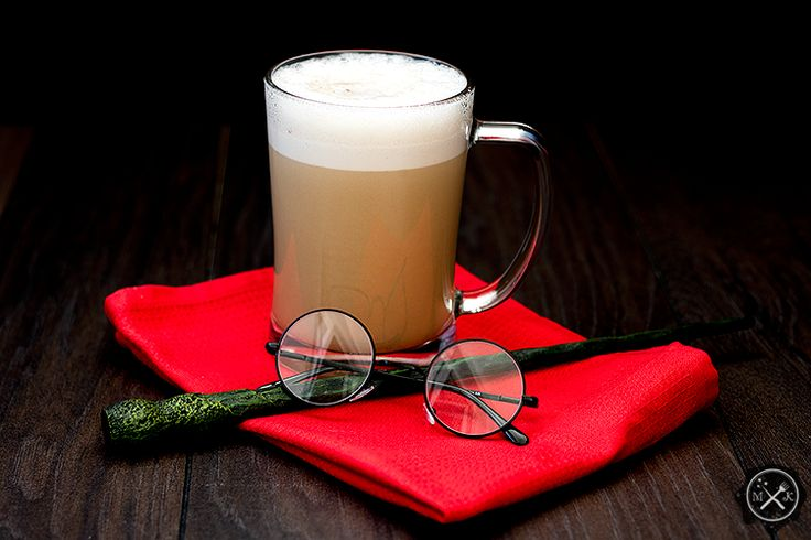 Piwo kremowe z alkoholem / Butterbeer with alcohol na blogu miodowekrolestwo,wordpress.com lub tutaj: https://miodowekrolestwo.wordpress.com/2017/05/15/piwo-kremowe-wersja-alkoholowa-butterbeer-with-alcohol/