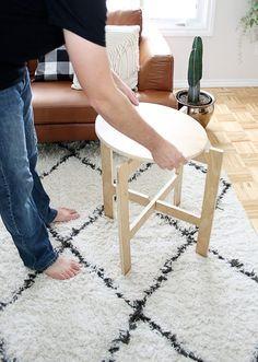 カットした板を組み立てるだけの折りたたみ可能なコンパクトテーブルの作り方