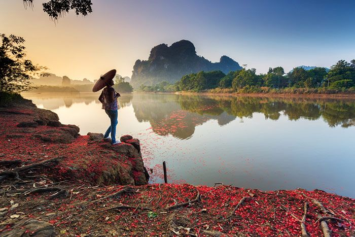 แจ่มว้าว...พาเที่ยวเมืองกระบี่ สวรรค์อันดามันกับ 4 แลนด์มาร์กซิกเนเจอร์ ที่ต้องไปเยือน ห้ามพลาดเช็คอินนะจ๊ะ #เที่ยวไทย #go2thailand #มนต์เสน่ห์แดนใต้  ติดตามเพิ่มเติมที่ https://goo.gl/bIy2AK