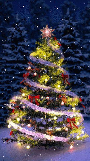 Анимация Новогодняя елочка с игрушками в лесу под падающим снегом, maryla, гифка Новогодняя елочка с игрушками в лесу под падающим снегом, maryla