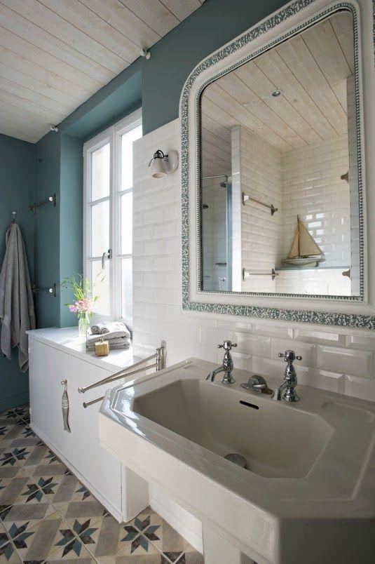 Les 25 meilleures id es concernant salle de bains de la for Salle de bain theme mer