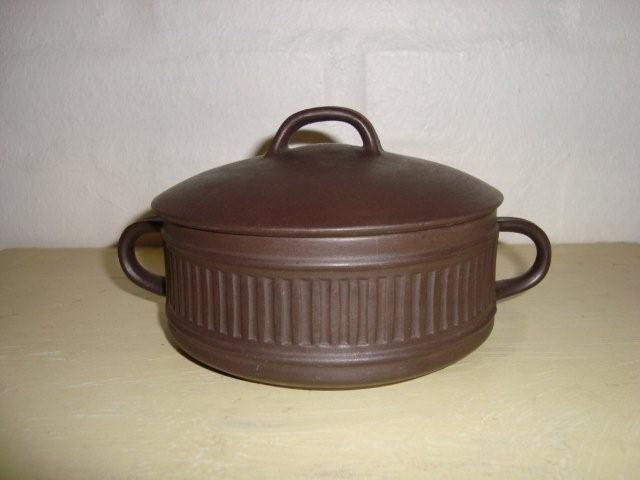 FROM:TRENDYenser.com Jens Harald Quistgaard (IHQ) Flamestone sugar bowl - 1960-70s - ceramic. #Quistgaard #IHQ #Flamestone #sugar #bowl #Danish #sukkerskaal