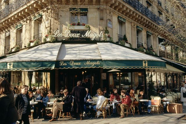 The language barrier might prevent you from ordering the right coffee on the menu. Find out how to order coffee in France, be it a cafe au lait or espresso.