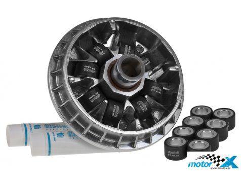 Wariator Polini Maxi Hi-Speed. Specjalnie zaprojektowany do maxiskuterów zestaw wariatora zawierający 8 rolkowy wariator, tuleję oraz dwa komplety rolek 25x17 12,0g i 14,0g. Wariator przeznaczony do współpracy z oryginalnym talerzem wariatora. Polini to jedne z najlepszych wariatorów na świecie. Zestaw ten poprawia pracę skutera, co wpływa na konkretny wzrost osiągów. Wariator Polini Maxi Hi-Speed może być wykorzystywany zarówno do sportu jak i jazdy codziennej.