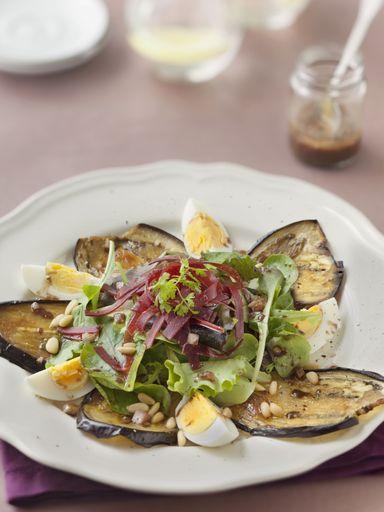 Recette de salade extraordinaire aux aubergines grillées
