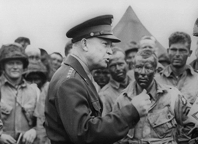 Ike: General Dwight D. Eisenhower: General Dwight D. Eisenhower