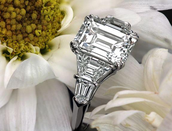 pleeeaaasseeeee!!!!!!!!!!!!!! Leon Mege classic five-stone engagement ring with 3-carat emerald-cut diamond