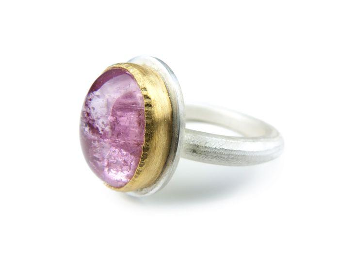 Kathrin Dunst- Ring Silber 925/- mit Turmalin in Feingold 999/- gefasst © Kathrin Dunst