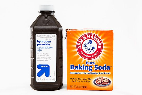 Using Baking Soda and Hydrogen Peroxide To Easily Clean Baking Sheets Review – Does it Work?