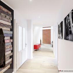 Der neue Flur - Wir lieben die Altbausanierung in Hannover In Hannover haben wir bereits sehr vielen Kunden helfen dürfen, Träume zu realisieren. Es beeindruckt mich immer wieder, was aus alten Räumen entstehen kann. Unfassbar! Schauen Sie sich das an – wunderschön! Auch bei diesem Projekt für die Kratzsch Immobilienhandel GmbH aus Hannover (die via Facebook zu uns kamen) haben meine Teams hervorragende Arbeit geleistet. Vielen Dank Männer!